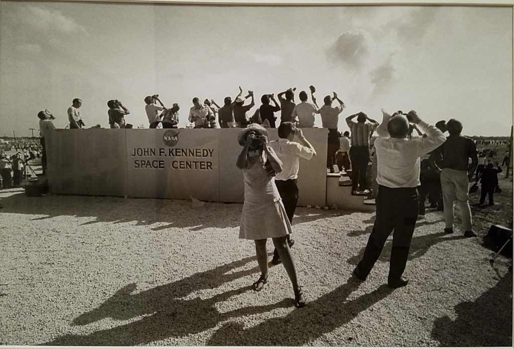 Looking at Gary Winogrand NASA Looking, MoMA